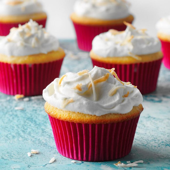 Coconut Tres Leches Cupcakes Exps Sdam18 50867 D12 05 2b 2