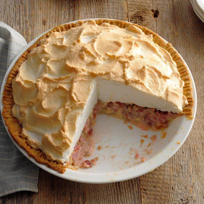 Contest Winning Rhubarb Meringue Pie Exps Ghbz18 31932 B08 15 5b 4