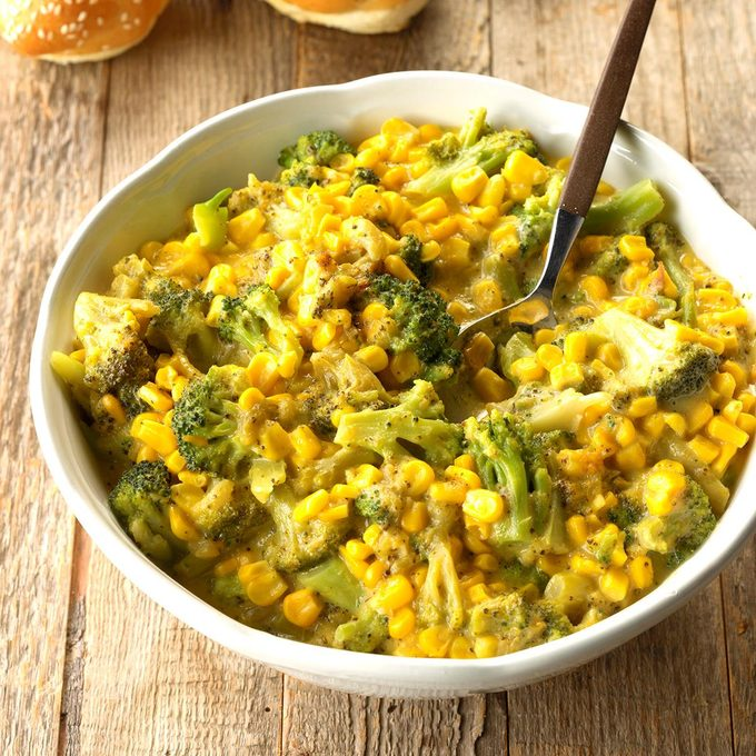 Corn And Broccoli In Cheese Sauce Exps Scmbz18 45657 C01 10 3b