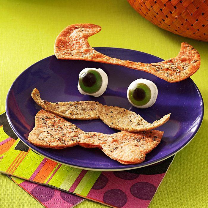 Costume Crackers