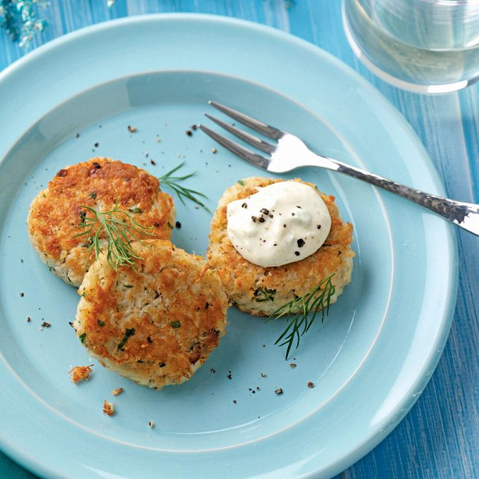 Crab Cakes With Chesapeake Bay Mayo Exps50531 Thca2180111d09 16 2bc Rms 3