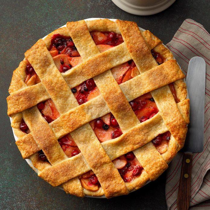 Cranberry Apple Lattice Pie Exps Thca19 161463 B01 31 4b 4