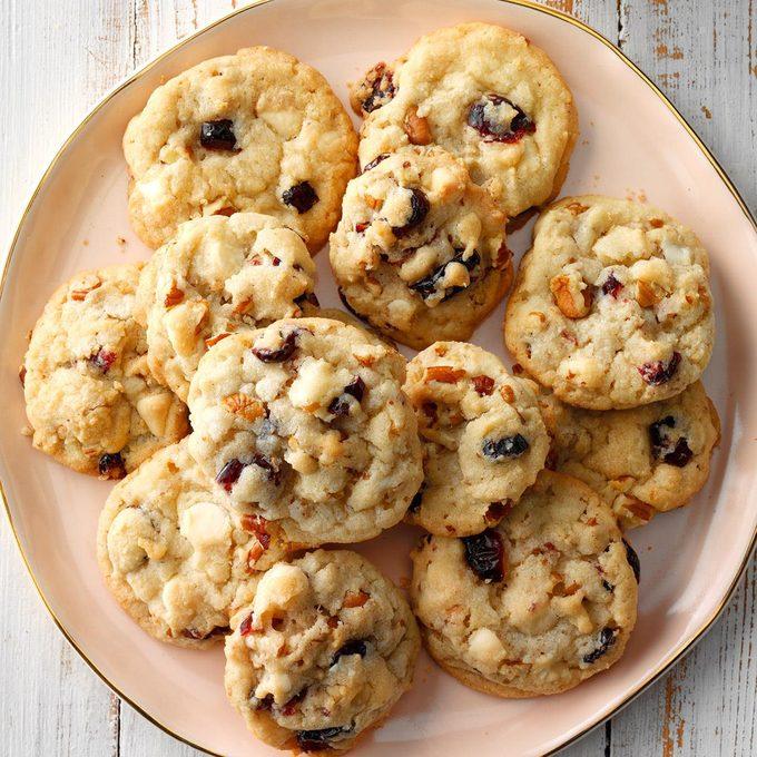 Cranberry Pecan Cookies Exps Hccbz18 37302 D05 07 1b 4