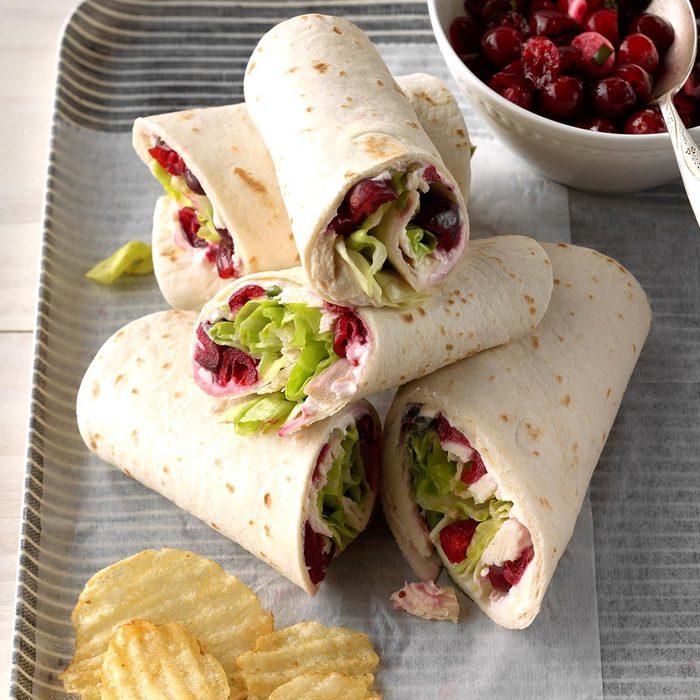 Cranberry Salsa Turkey Wraps Exps Tgckbz18 31822 C05 02 5b