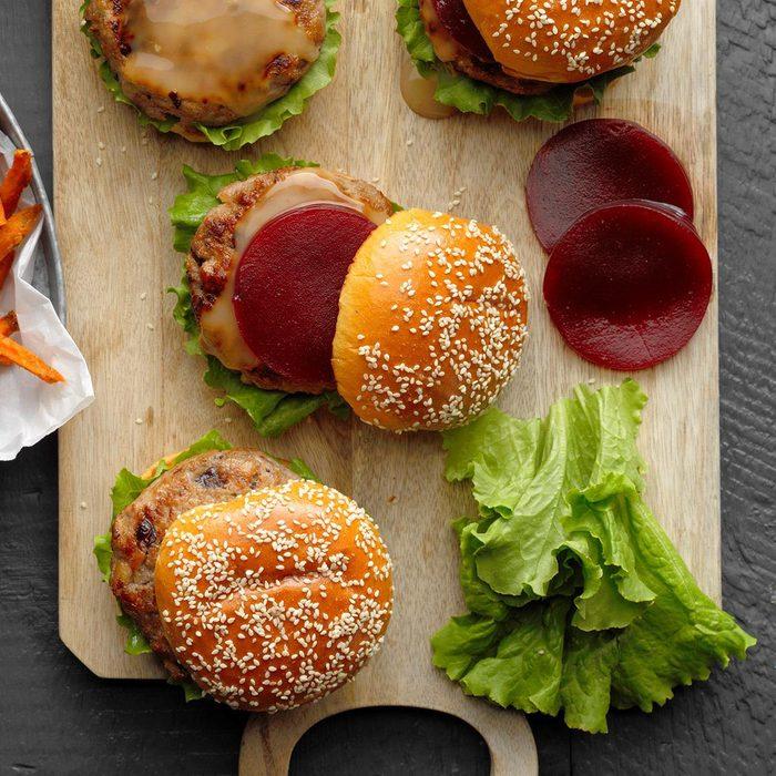 Cranburgers With Sweet Potato Fries Exps Tcbz19 45973 B05 17 2b 3