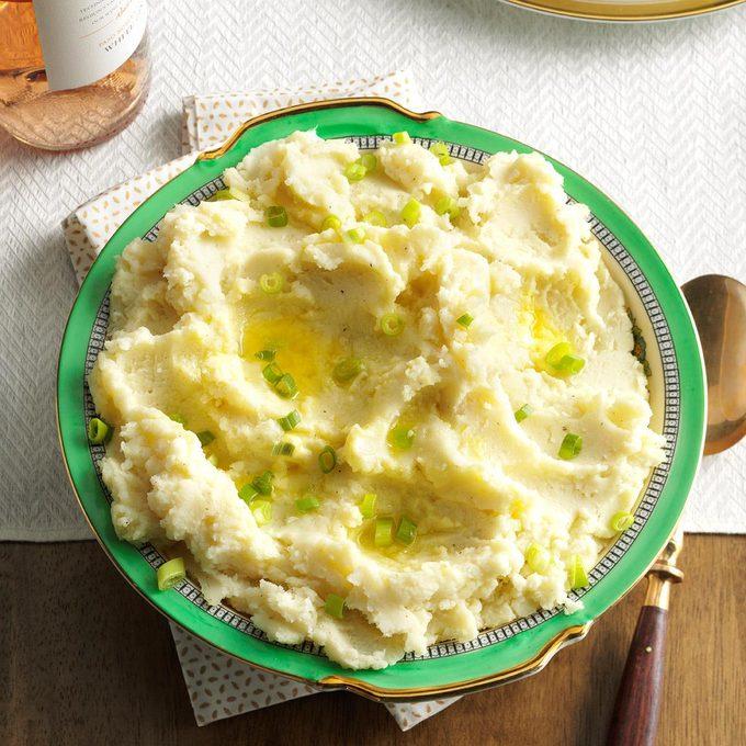 Cream Cheese Mashed Potatoes Exps Thn16 191826 06b 22 5b 6