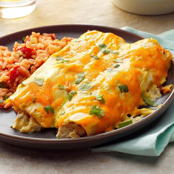 Creamy Chicken Enchiladas Exps Dia18 33124 B05 25 2b 4
