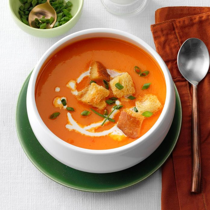Creamy Red Pepper Soup Exps Hca19 22341 E04 02 5b 2