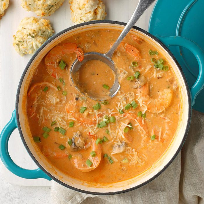 Creamy Seafood Bisque Exps Ssmz20 57735 B10 11 8b