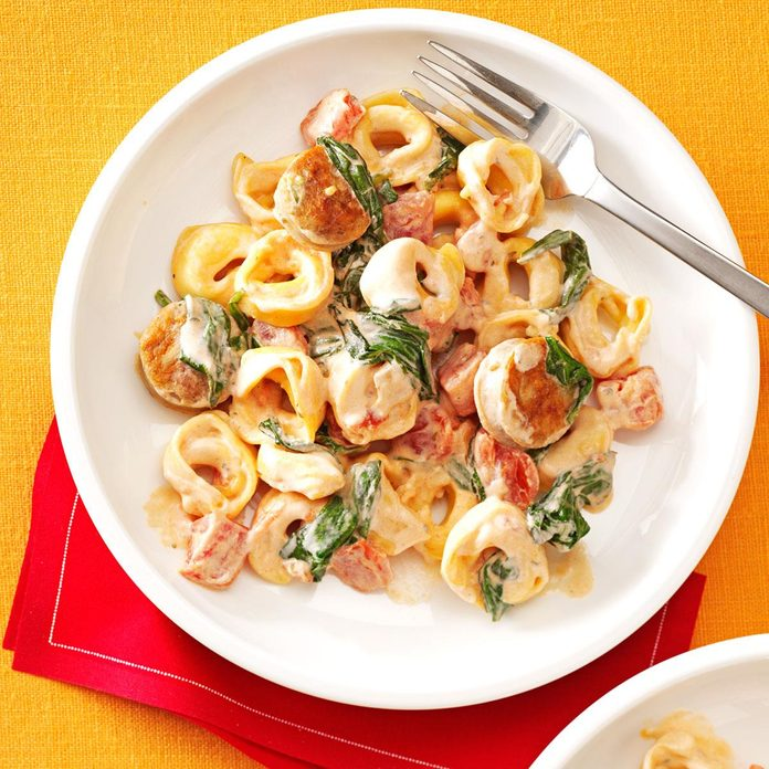 Creamy Tomato Tortellini With Sausage Exps71051 Th132767c04 24 4bc Rms 2