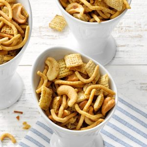 Crispy Snack Mix