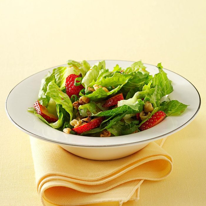 Crunchy Romaine Strawberry Salad Exps33043 Sd1999447c12 09 2bc Rms 6