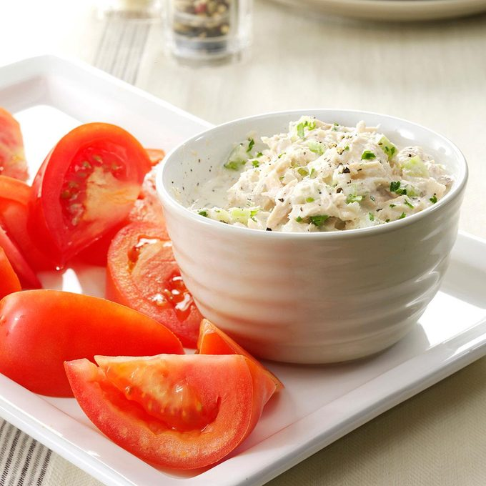 Crunchy Tuna Salad With Tomatoes Exps87145 Sd143205a01 31 3bc Rms 6