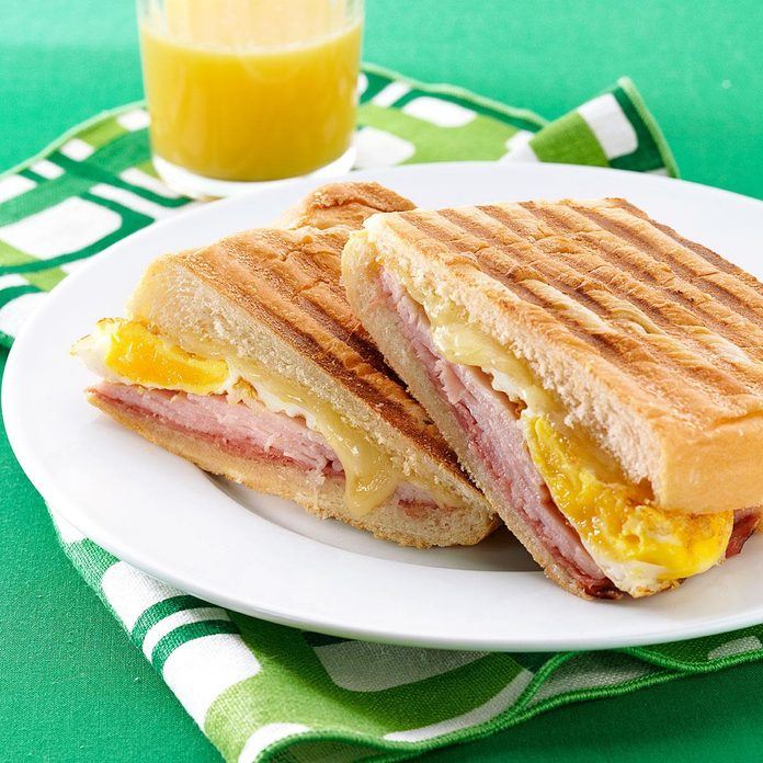Cuban Breakfast Sandwiches Exps80363 Sd2401789a08 10 2bc Rms 4
