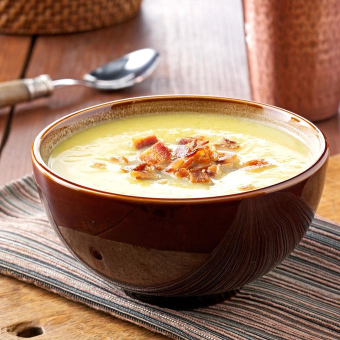 Curried Acorn Squash Soup Exps9337 Rds2321893d06 13 1bc Rms