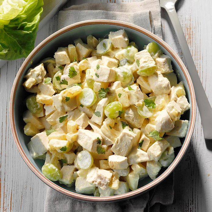 Curried Chicken Salad With Pineapple And Grapes Exps Scmbz18 38164 D01 03 4b 1