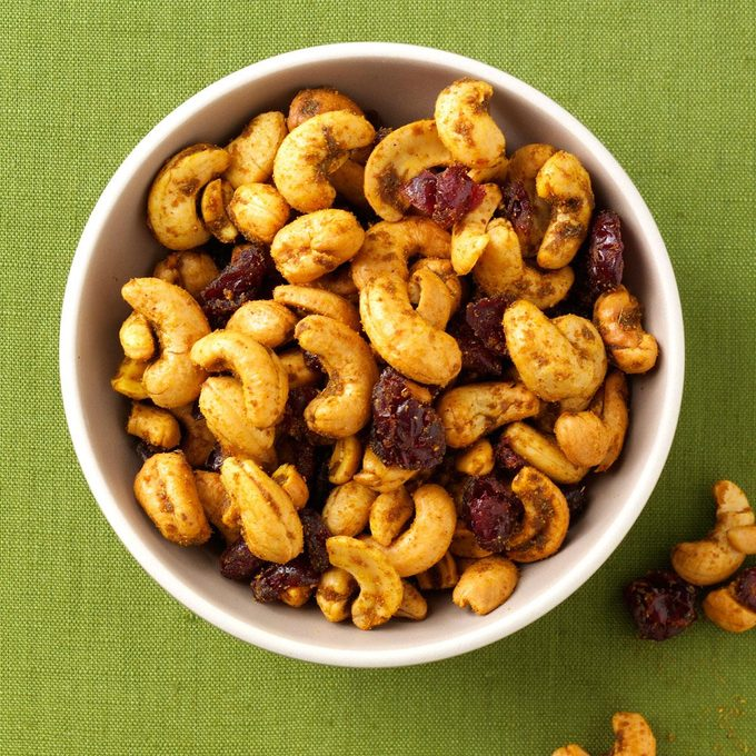 Curry Spiced Cashews Exps107796 Th2236620d05 31 4b Rms 2