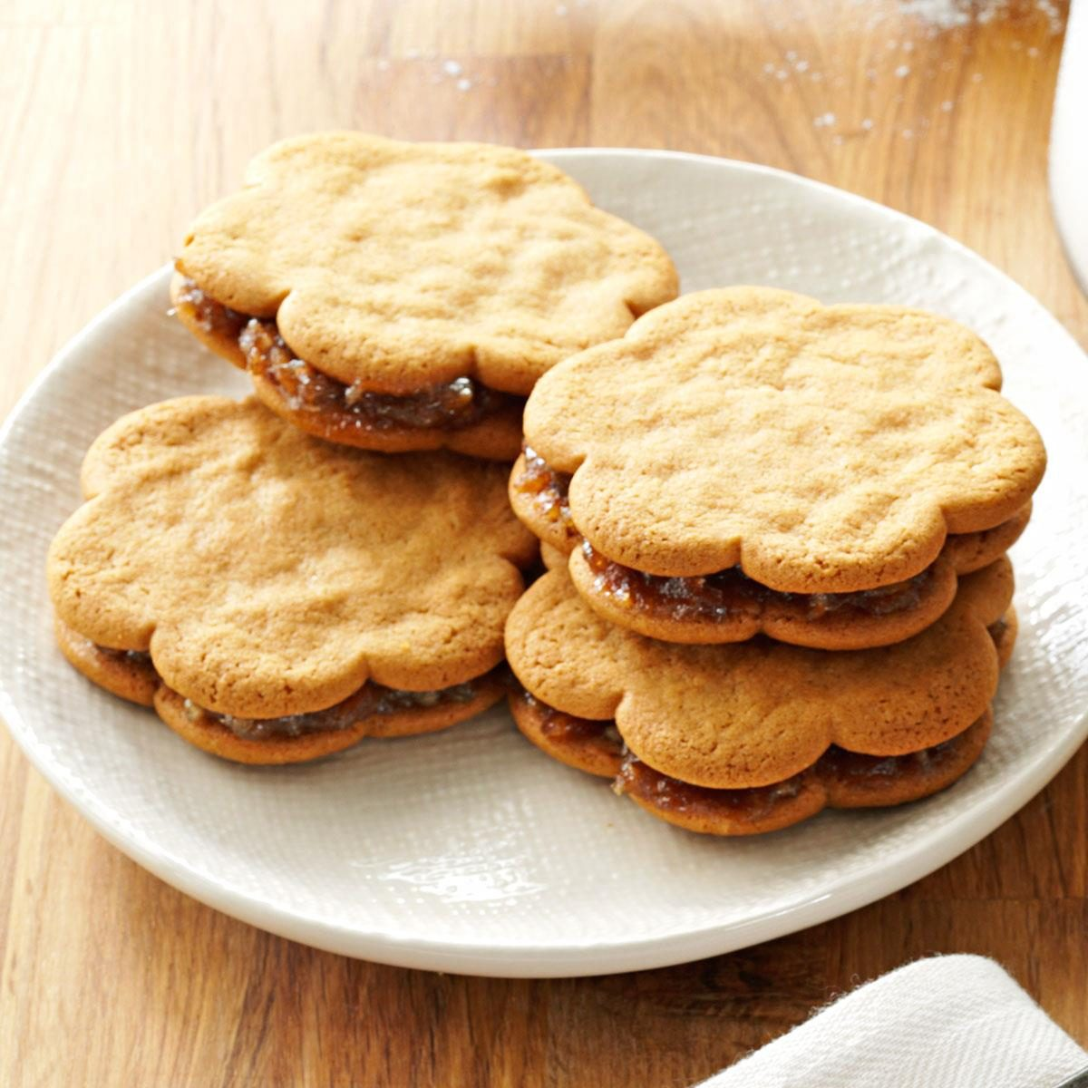 Date-Filled Sandwich Cookies