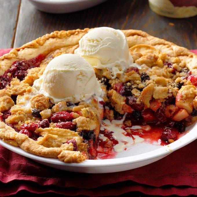 Dutch Cranberry Apple Pie Exps Ppp18 97373 B05 16 3b