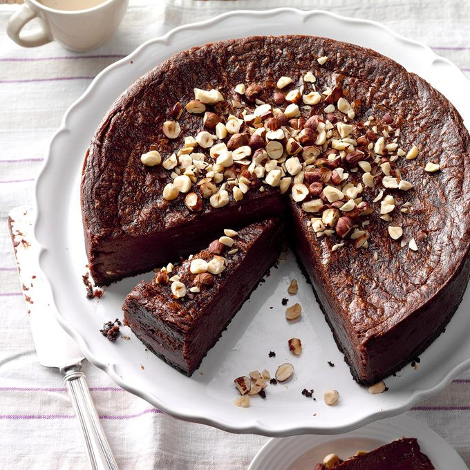 Easy Nutella Cheesecake Exps Thcoms17 209974 B09 17 1b 10