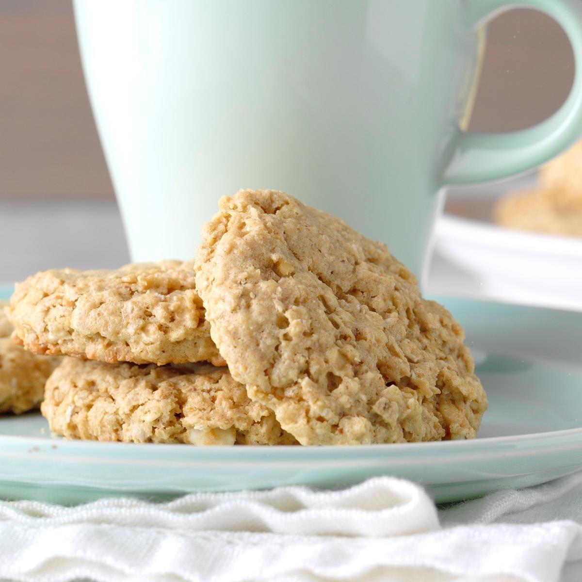 Easy Peanut Butter Oatmeal Cookies Exps Diyd19 44945 B05 01 2b 12