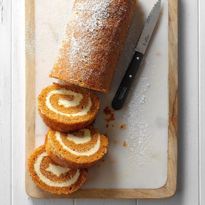 Favorite Pumpkin Cake Roll Exps Hbmz18 27683 E06 29 5b 4