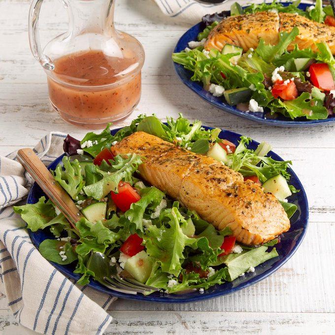 Feta Salmon Salad Exps Ft21 40163 F 0429 1