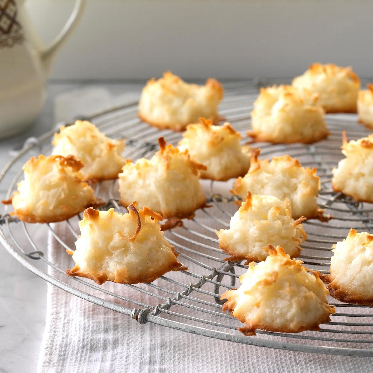 First Place Coconut Macaroons Exps Hrbz17 4383 C09 01 3b 12
