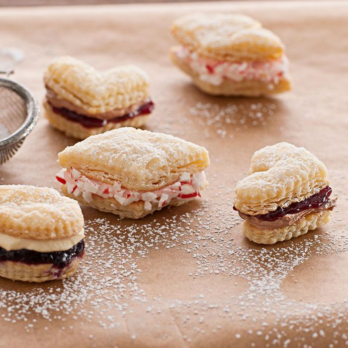 Flaky Creme Filled Cookies Exps34747 Th2257746a07 21 11bc Rms