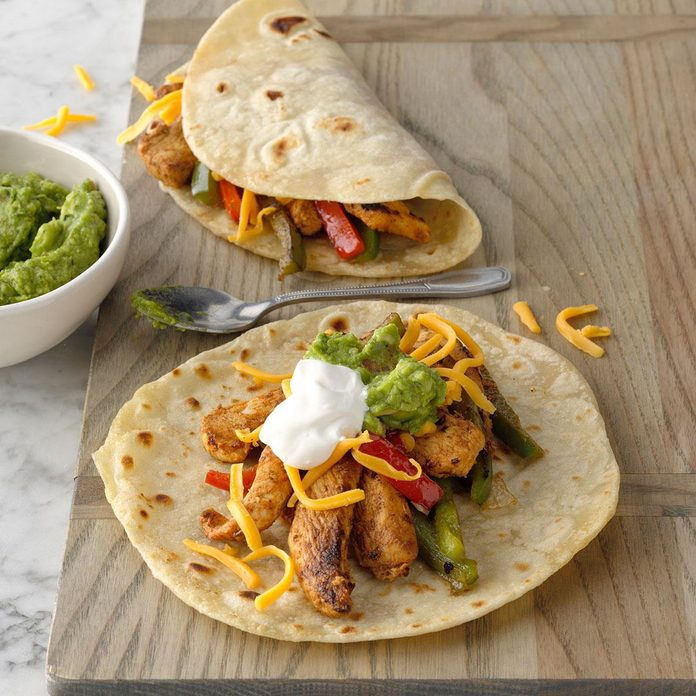 Flavorful Chicken Fajitas Exps Ciw19 12540 B08 30 6b 12