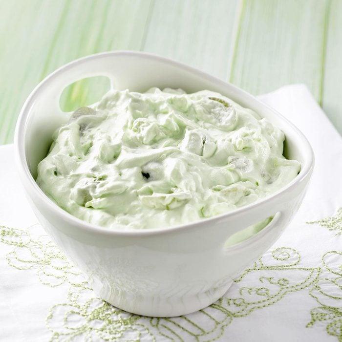 Fluffy Green Grape Salad Exps24867 W101973175b04 30 5bc Rms 6
