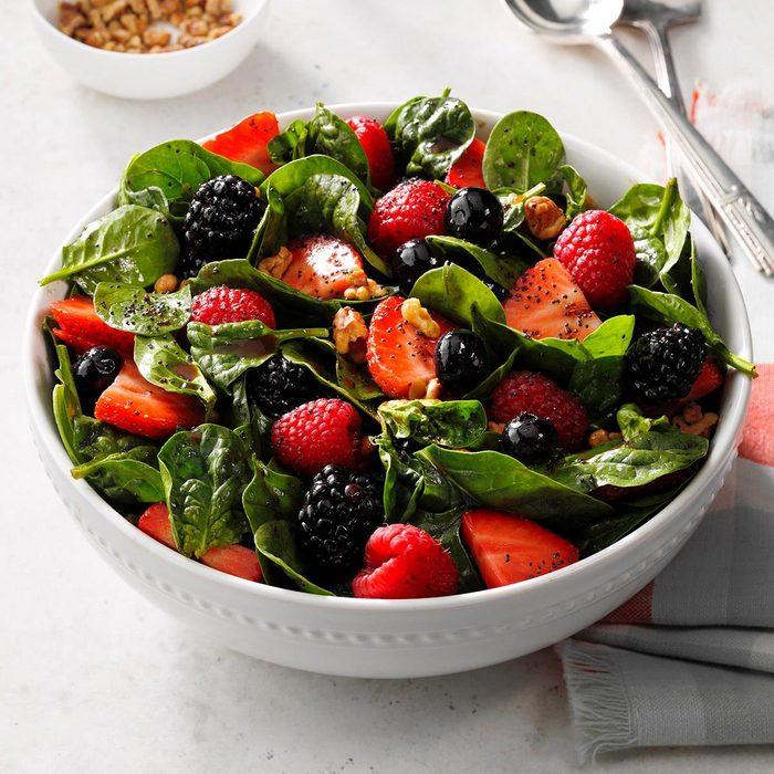 Four Berry Spinach Salad Exps Scm2bz20 25841 E01 22 2b 4