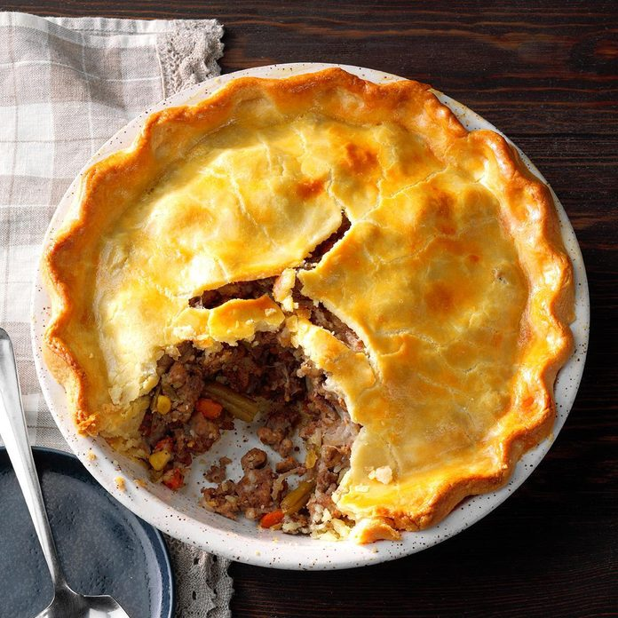 French Meat And Vegetable Pie Exps Gbbz19 5913 E11 27 11b 5