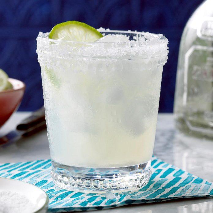 Fresh Lime Margaritas Exps Thjj17 29268 B02 08 7b 2