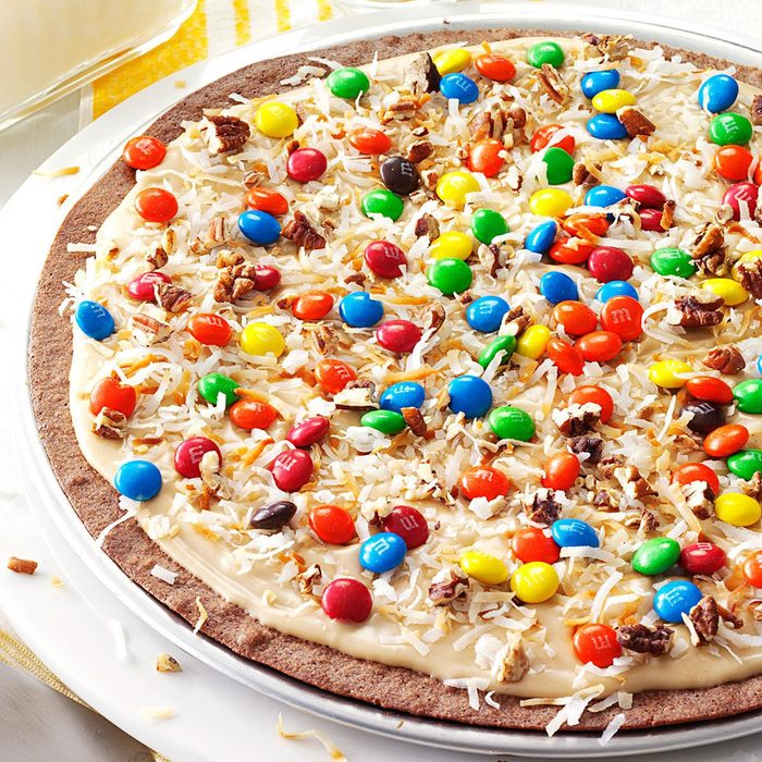 Frosted Brownie Pizza Exps9864 Tg3212c05 24 1bc Rms 2