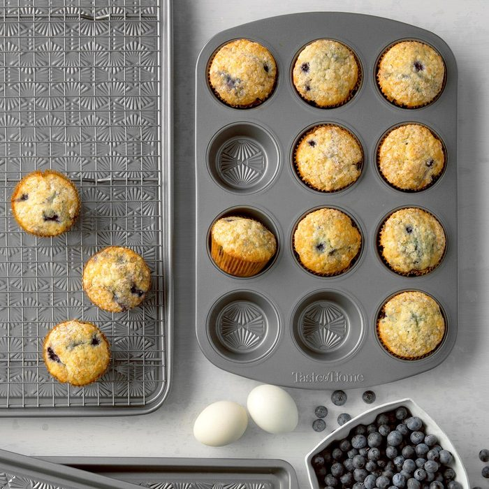 Frozen Blueberry Muffins Exps Tmbbp19 7910 B06 20 4b 15