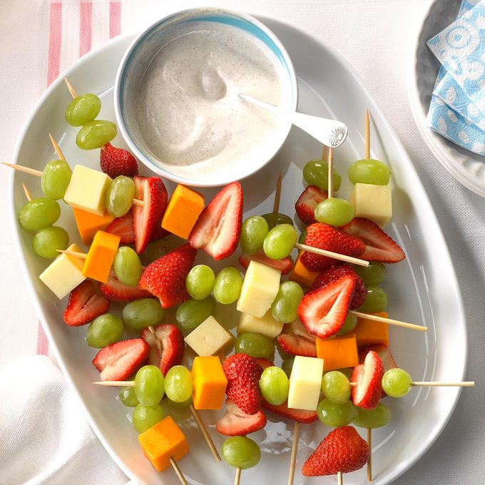 Fruit And Cheese Kabobs Exps Hca18 32204 C03 14 3b 2