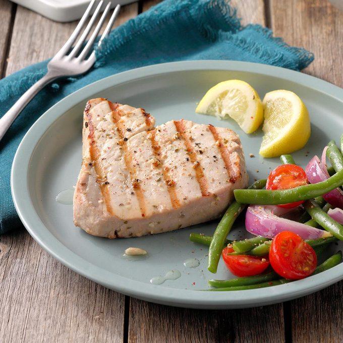 Garlic Herbed Grilled Tuna Steaks Exps Diyd19 44354 B04 24 1b 7