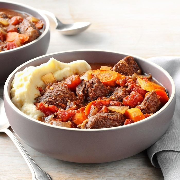 Garlic Lover S Beef Stew Exps82255 Cw143040b11 01 7bc Rms 5