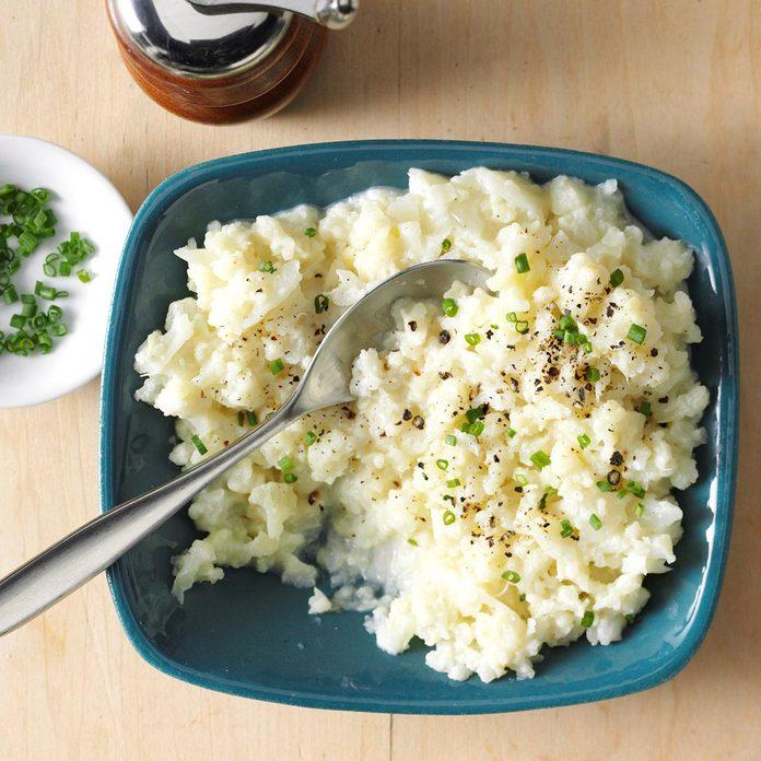 Garlic Mashed Cauliflower Exps Sdon16 33678 B06 07 1b 2