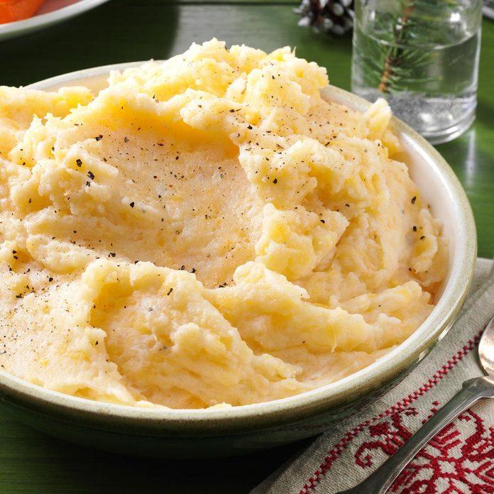 Garlic Mashed Rutabagas Potatoes Exps60790 Th133086d08 02 7bc Rms 1