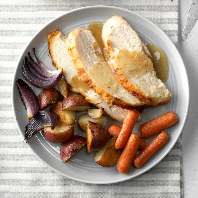 Garlic Roasted Chicken And Vegetables Exps Chbz19 29333 C10 24 6b 4