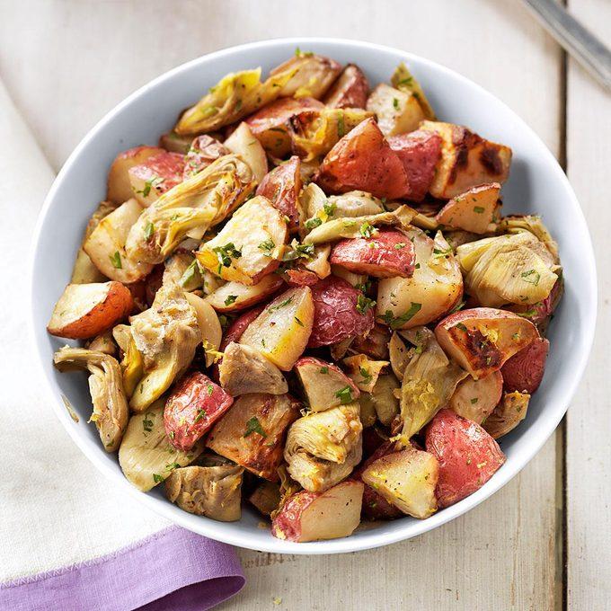 Garlic And Artichoke Roasted Potatoes Exps85487 Thhc2236536a05 20 7bc Rms 4