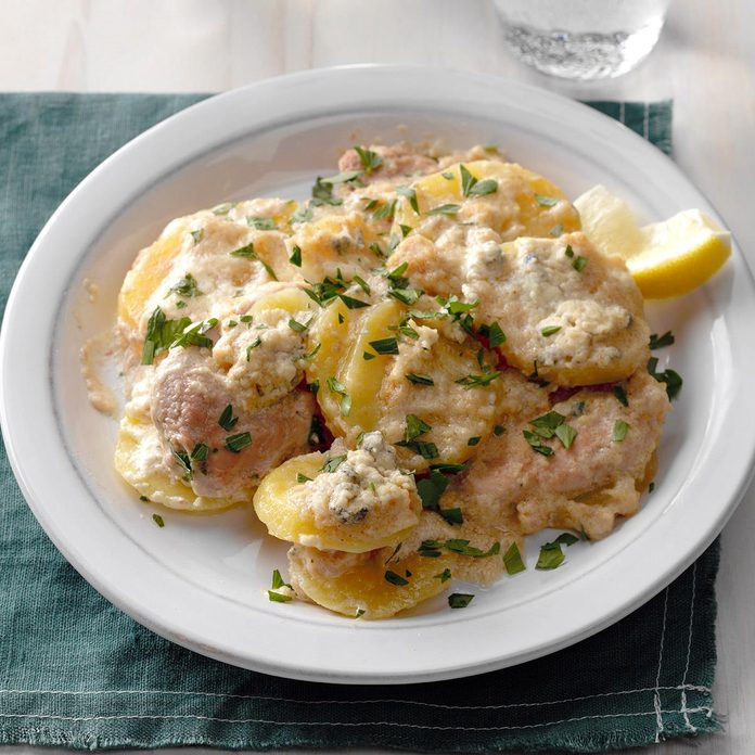 German Schnitzel And Potatoes With Gorgonzola Cream Exps Thd17 204661 B08 16 2b 4