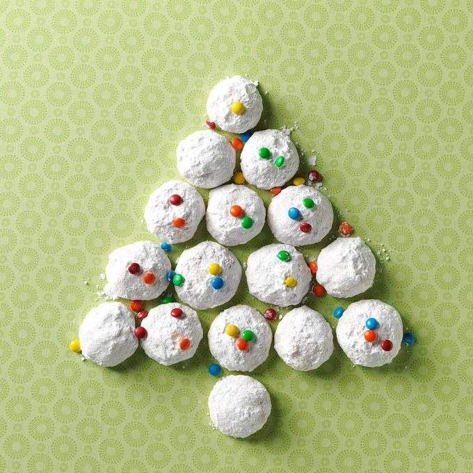 Ginger Macadamia Nut Snowballs Exps78448 Th2379806a09 04 5b Rms