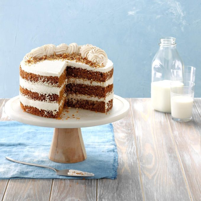 Gingerbread Cake With Whipped Cream Frosting Exps Hbmz18 169917 E06 29 2b
