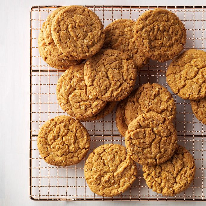 Gingerbread Oatmeal Cookies Exps Thfm17 198281 C09 22 1b 13