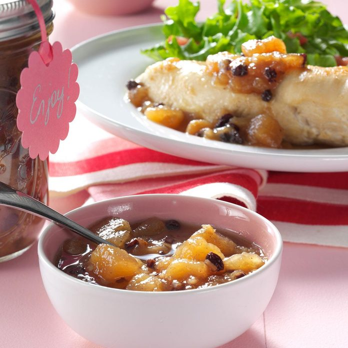Gingered Pear & Currant Chutney
