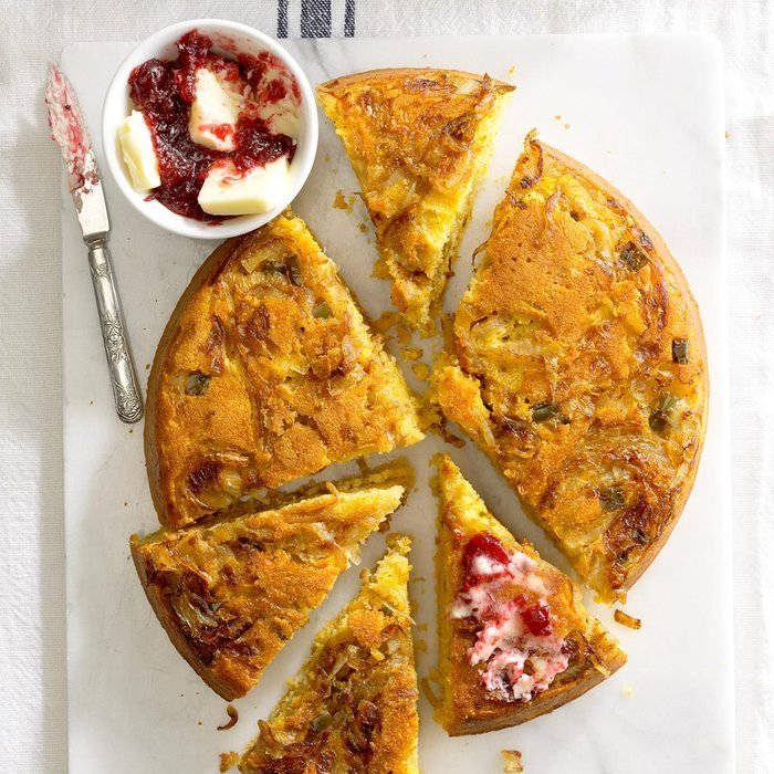 Golden Sweet Onion Corn Bread Exps Ugfbmz17 94055 B05 03 1b 5