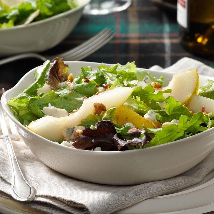 Gorgonzola Pear Mesclun Salad Exps42703 Sd142780b08 13 8bc Rms 6